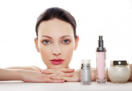 Tổng hợp các dòng sản phẩm chăm sóc da mặt tốt được chị em yêu thích