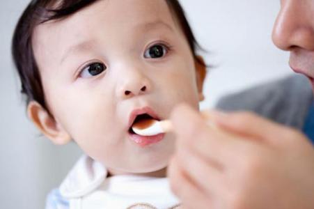 Vitamin D cho trẻ sơ sinh loại nào tốt nhất