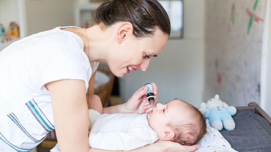 Cách cho trẻ sơ sinh uống vitamin D