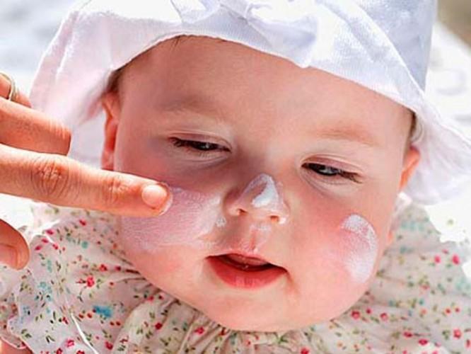 Trẻ sơ sinh có nên dùng kem dưỡng ẩm