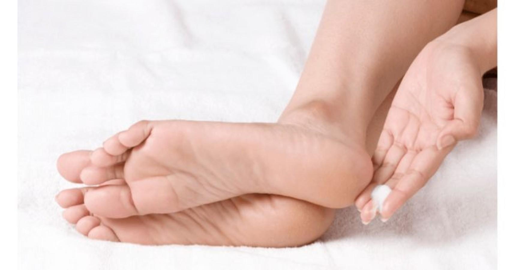 Kem Cải Thiện Nứt Gót Chân Neutrogena Foot Cream