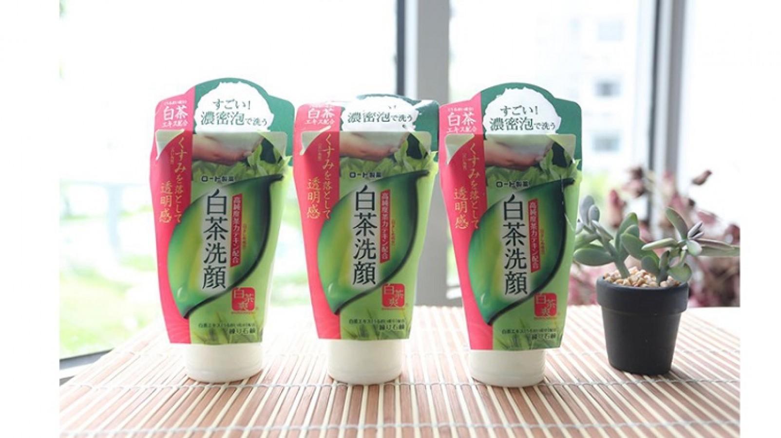 Sữa Rửa Mặt Trà Xanh Rohto Shirochasou Green Tea