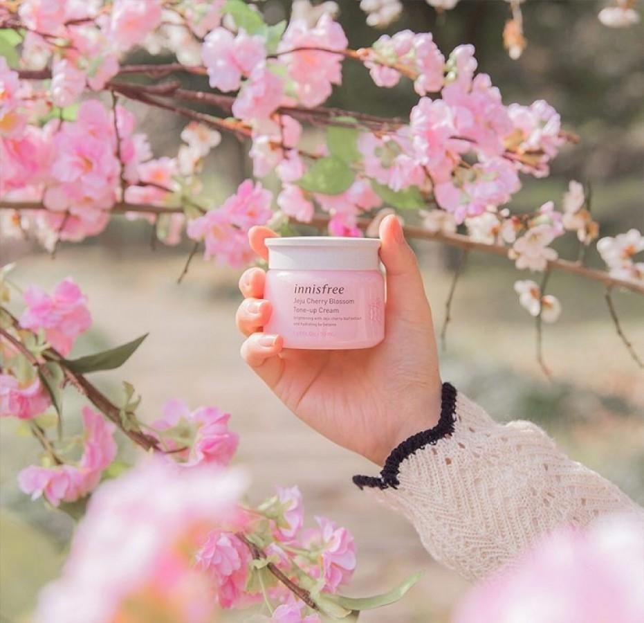 Kem Dưỡng Innisfree Jeju Cherry Blossom Jelly Cream