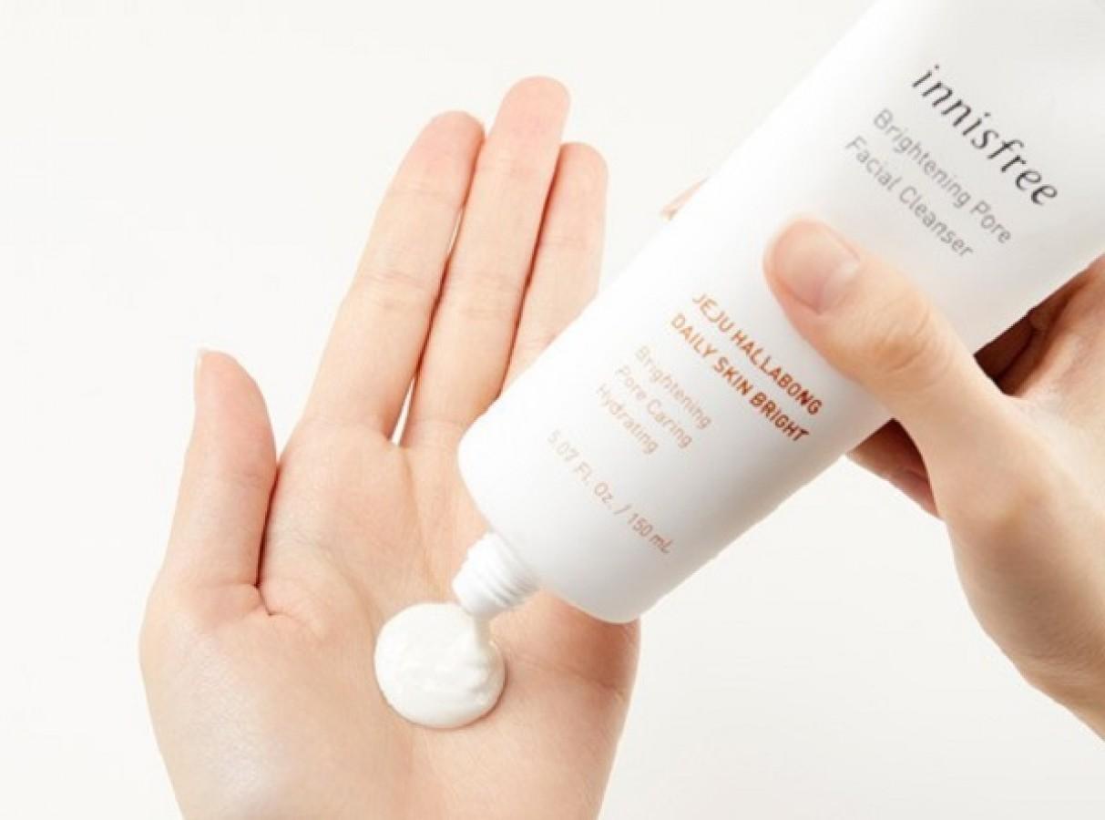 Sữa Rửa Mặt Sáng Da Innisfree Brightening Pore Facial Cleanser