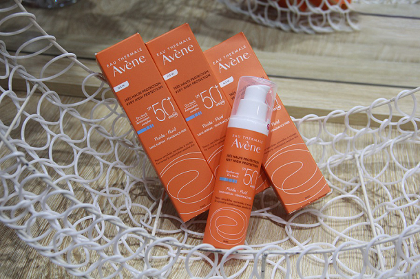 Kem Chống Nắng Avene Very High Protection Fluide SPF50+